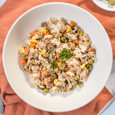 Salade de riz, thon, olive