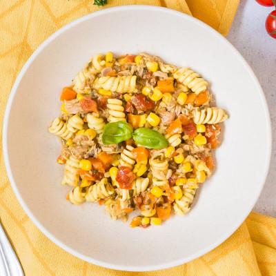 Salade italienne, thon, fusilli et petits légumes